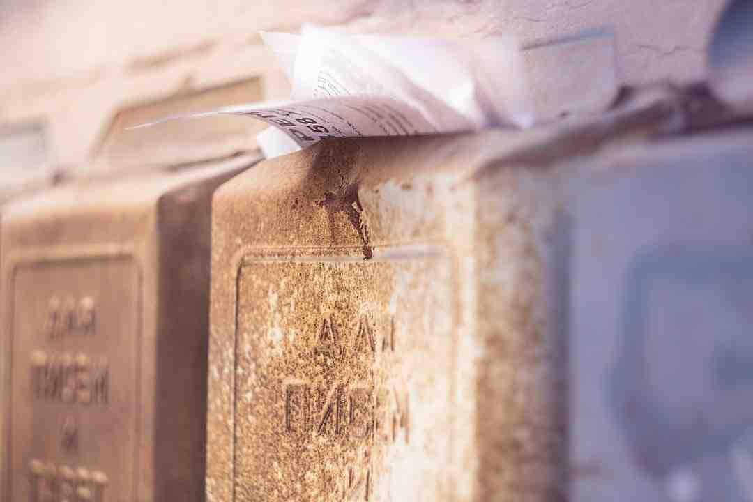 Comment enlever les plis d'un livre ?