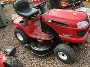 Comment faire démarrer un tracteur tondeuse ?