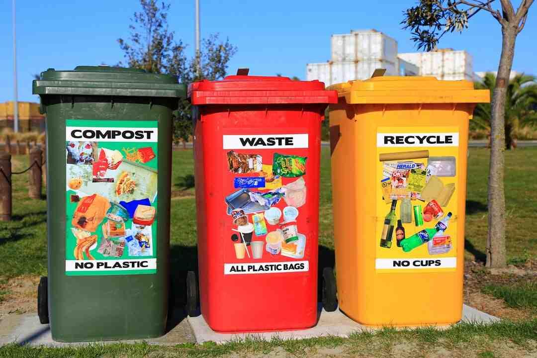 Comment fabriquer un bac à compost avec une poubelle ?