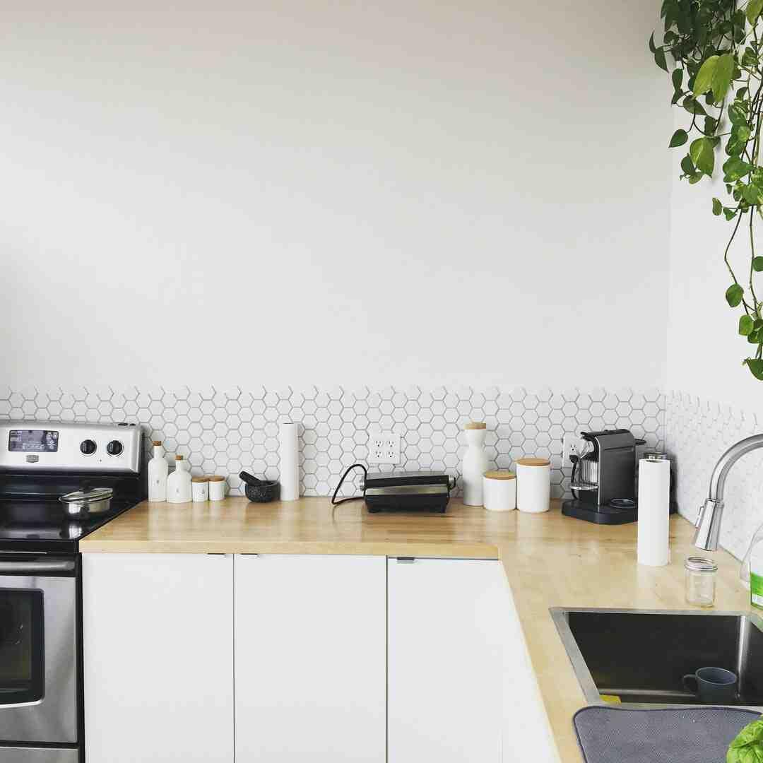Comment poser dosseret cuisine ?