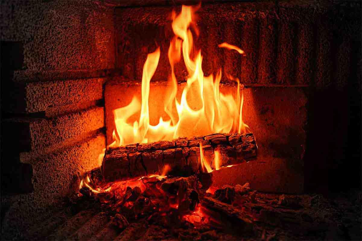 Pourquoi le feu de cheminée ne prend pas ?