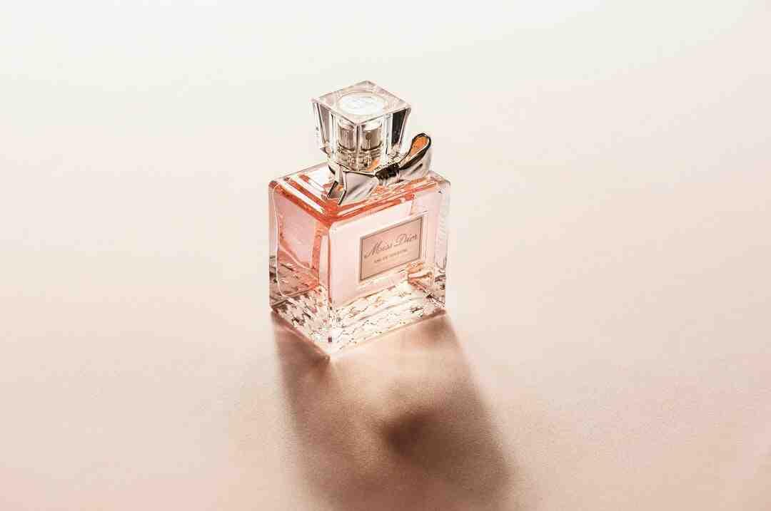 Pourquoi les flacons de parfum sont en verre ?