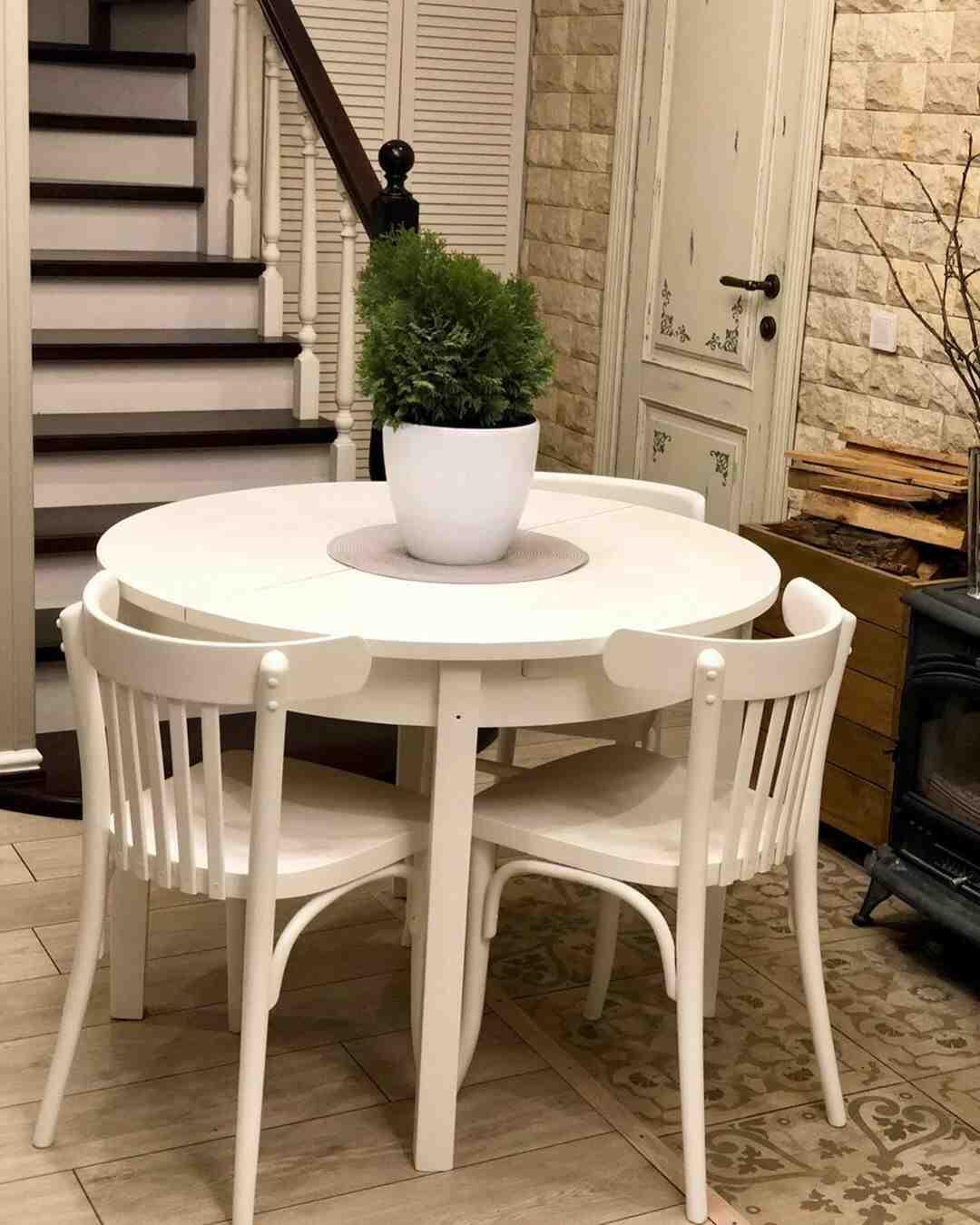 Quel vernis choisir pour une table à manger ?